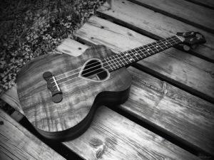 beautiful-black-and-white-cute-guitar-love-Favim.com-269338