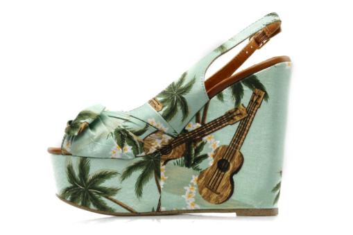 chaussures uke.jpg_thumb