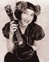 Janet-Klein-with-ukulele