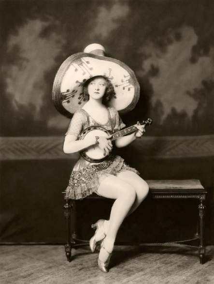 Ziegfeld-Follies-Girls-1920-Broadway-02